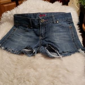 Wrangler cut off blue jean shorts size 7/8